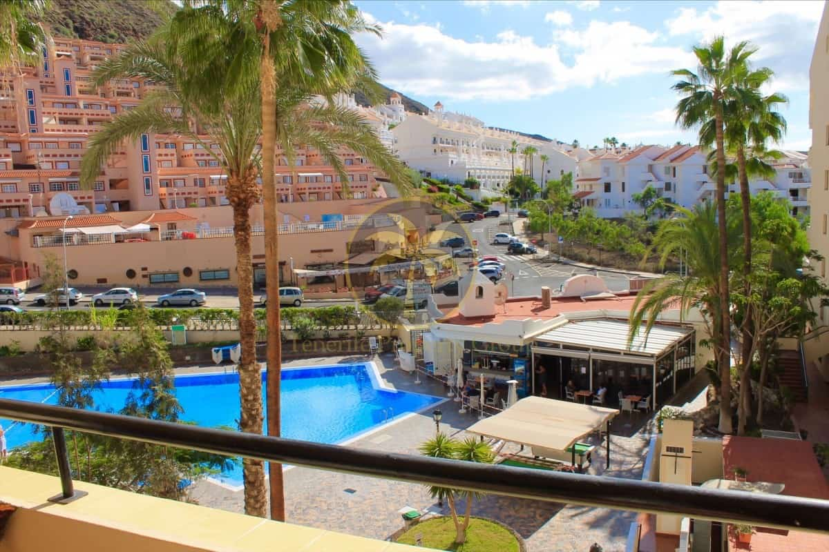 2 bedroom apartment for sale in Castle Harbour Los Cristianos Tenerife