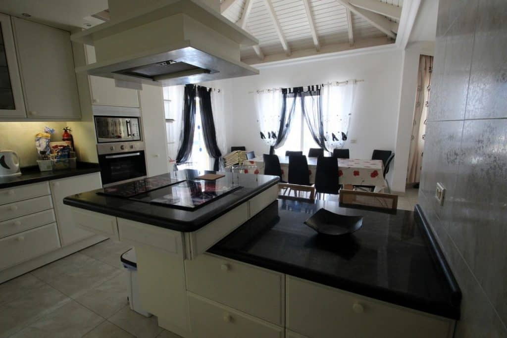 721 - 5 bedroom villa for sale in Chayofa Tenerife96